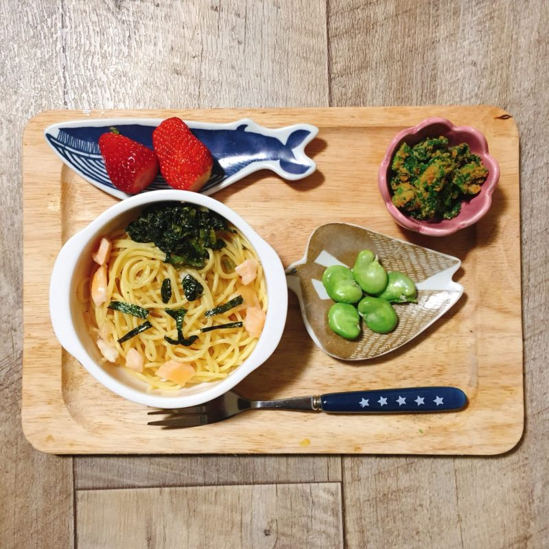 鮭と小松菜ふりかけのパスタの子供ご飯