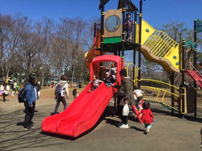 府中の森公園の幼児も遊べるすべり台