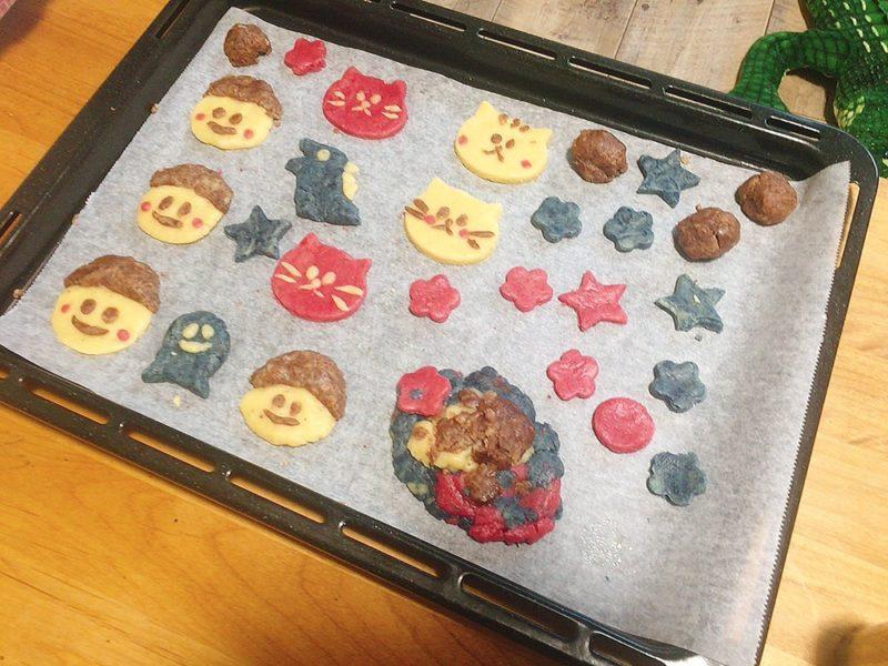 子供と一緒にクッキー作り