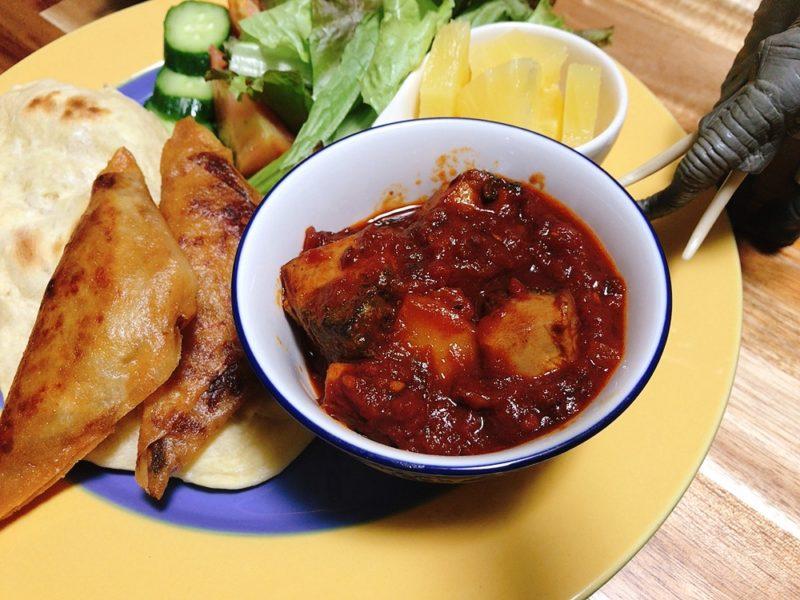 コモロ料理「鰹のトマト煮」