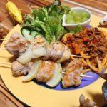 【世界の料理】キルギス料理風のレシピと献立│巨大焼き鳥と牛肉トマトの焼きうどん