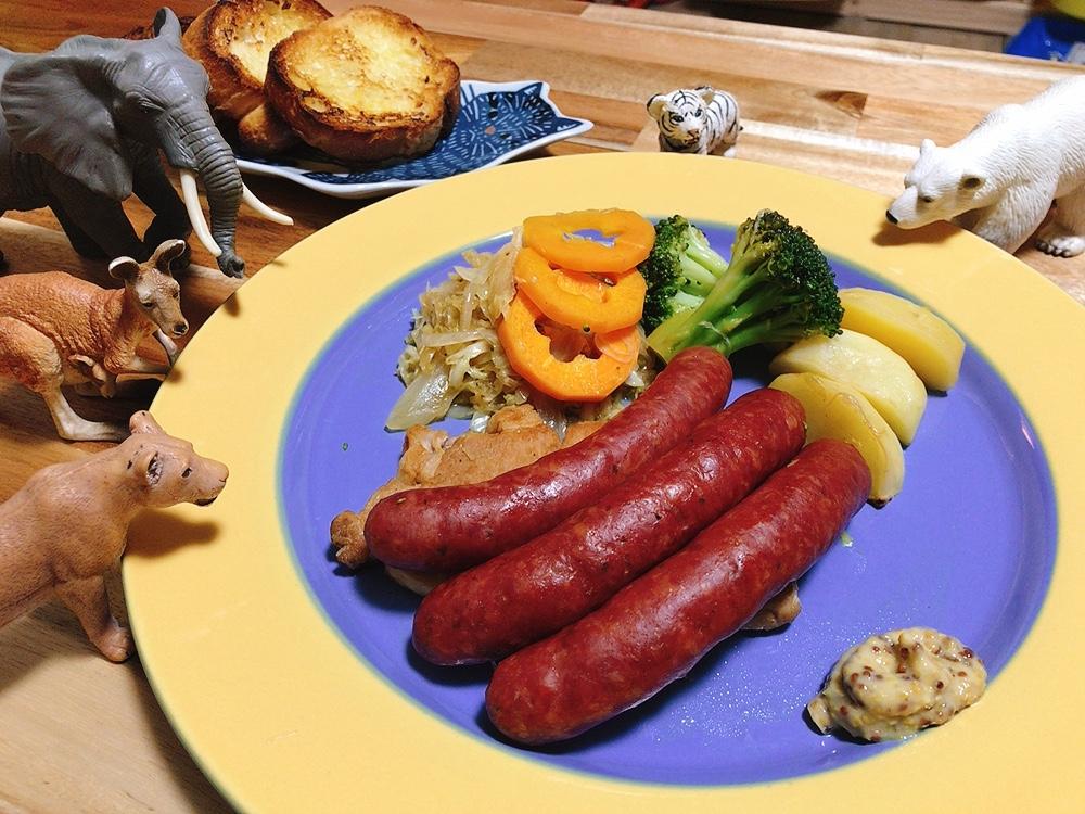 【世界の料理】ドイツ料理風のレシピと献立│ウインナーとザワークラフト風の煮込み